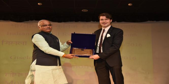 Recipient of the Gisela Bonn Award 2015-16 were awarded at a beautiful ceremony by Dr. Vinay Sahasrabuddhe, President ICCR.
